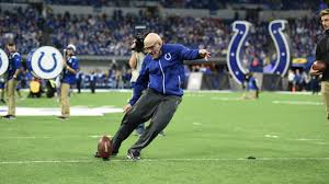 Geriatric Wonder Kicks Field Goals for Cancer Research